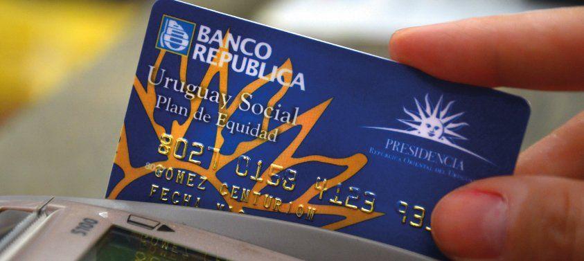 La primera tarjeta de Uruguay Social fue una novedad en su momento. Pese a que tiene más de 14 años