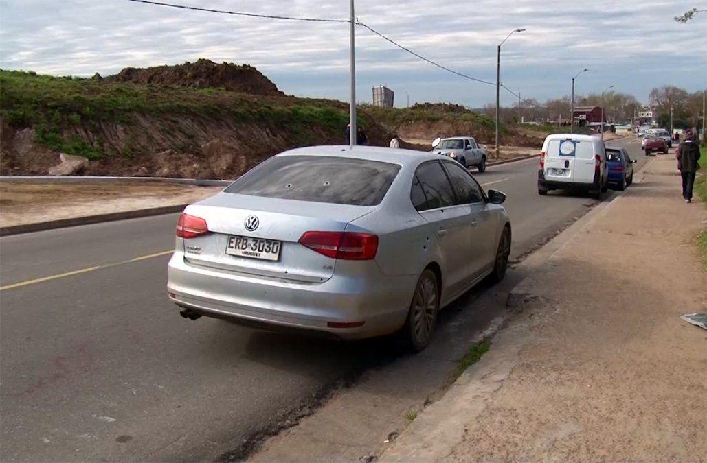 Un hombre fue acribillado a balazos; el auto en el que circulaba recibió más de 10 disparos