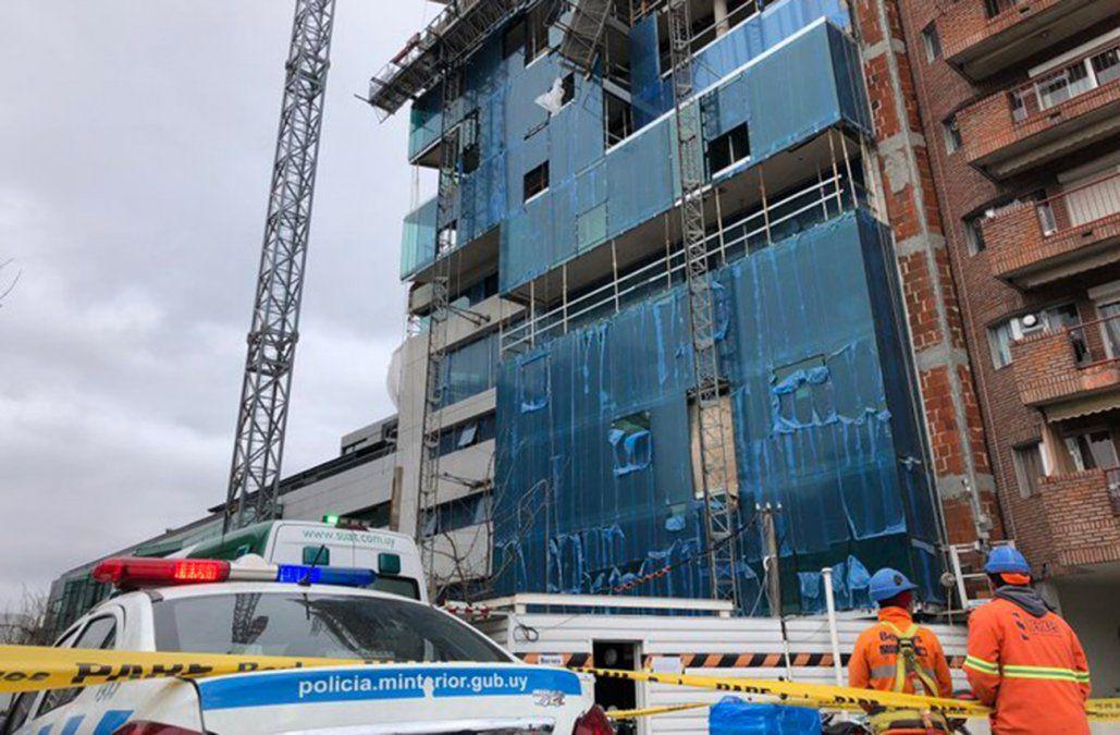 Dos obreros de la construcción resultaron lesionados tras el desplome de un andamio