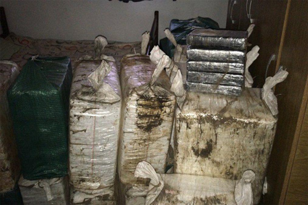 La droga incautada en la casa de Parque del Plata. Foto: Unidad de Comunicación del MI.
