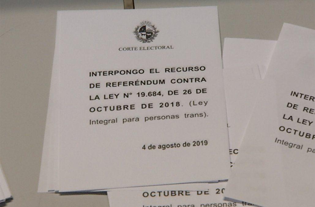 Uruguayos votaron la posible derogación de la Ley Integral para Personas Trans