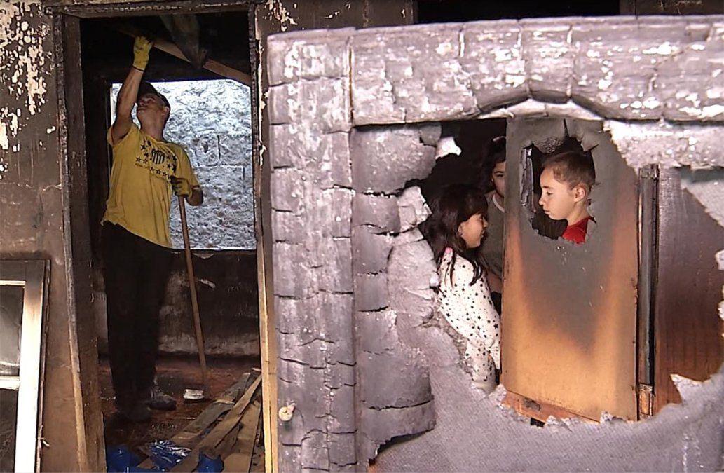 Un padre y su hija perdieron todo a causa de un incendio