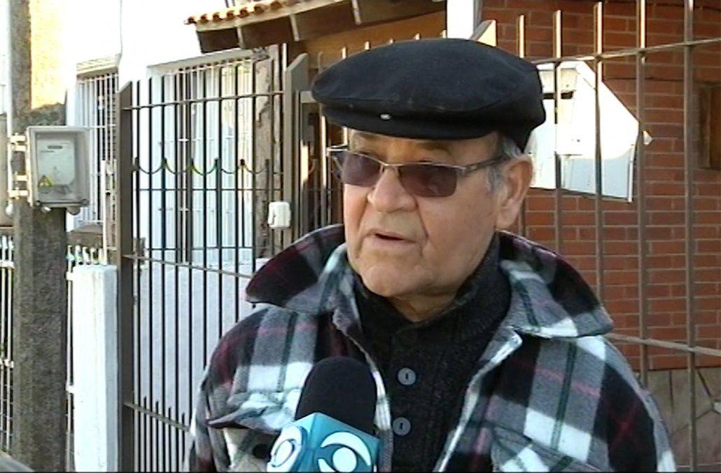 Foto: el padre de la víctima reclama justicia