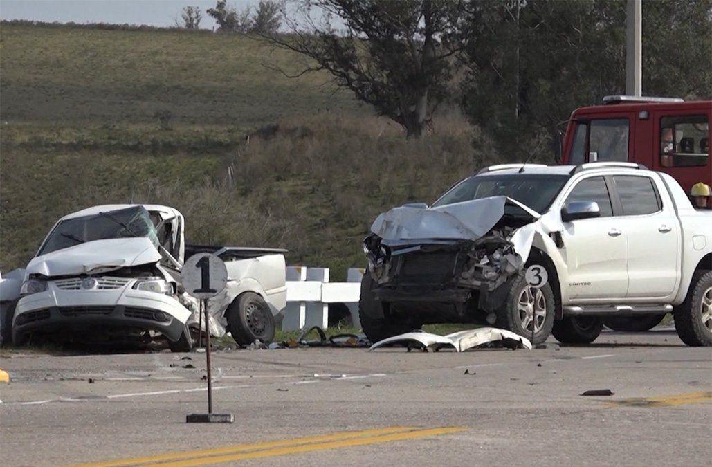 Choque de dos camionetas dejó un muerto y dos heridos en ruta 8
