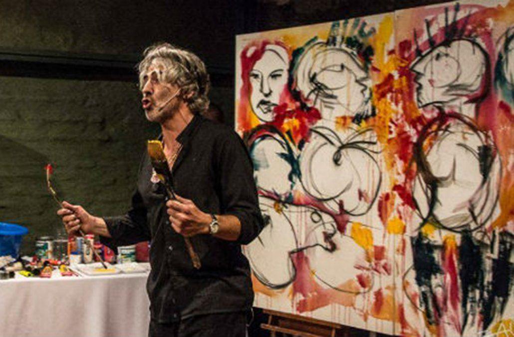 Taddei presentando Presencias en 2015