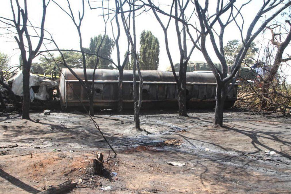 En Tanzania explotó un camión cisterna y murieron 62 personas que lo estaban saqueando