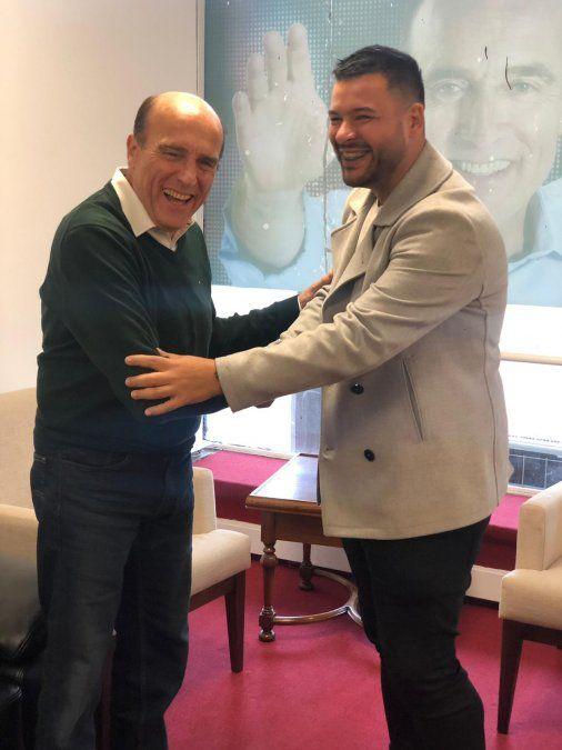 El Gucci se lanza a la política con la lista 890 en apoyo a Daniel Martínez