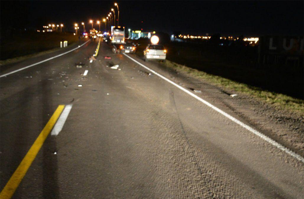 Accidente múltiple en Ruta 5 terminó con un motociclista fallecido