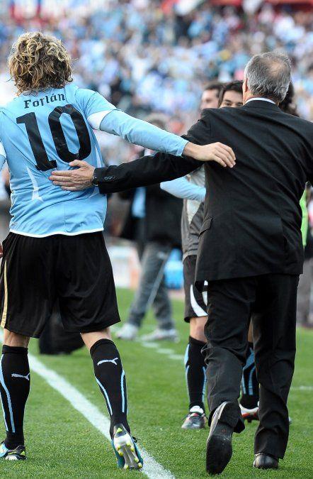 Tabárez y Forlán en la Copa América 2011