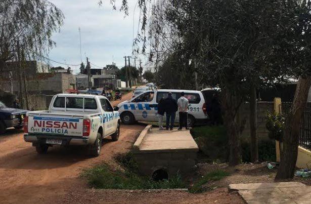 Doble homicidio y suicidio en el barrio Capra: el asesino los sorprendió en la casa de noche