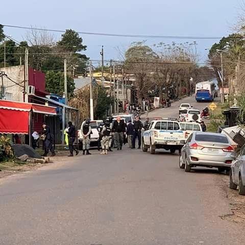 Operativo policial contra banda narco en Salto terminó con 40 detenidos