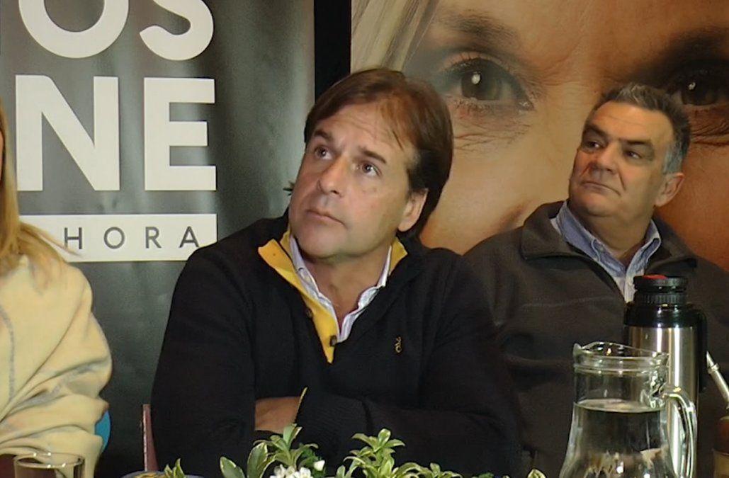 Lacalle Pou asegura que las propuestas y medidas del FA se parecen a las de Macri