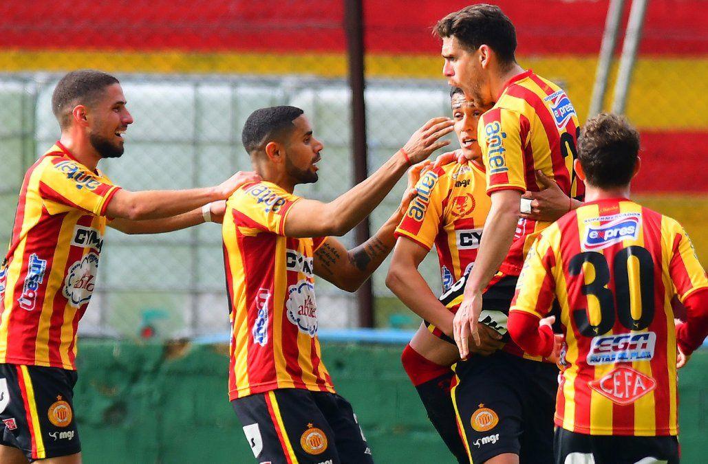 Peñarol empató 0-0 con Juventud. Ganaron Progreso, Liverpool y Wanderers