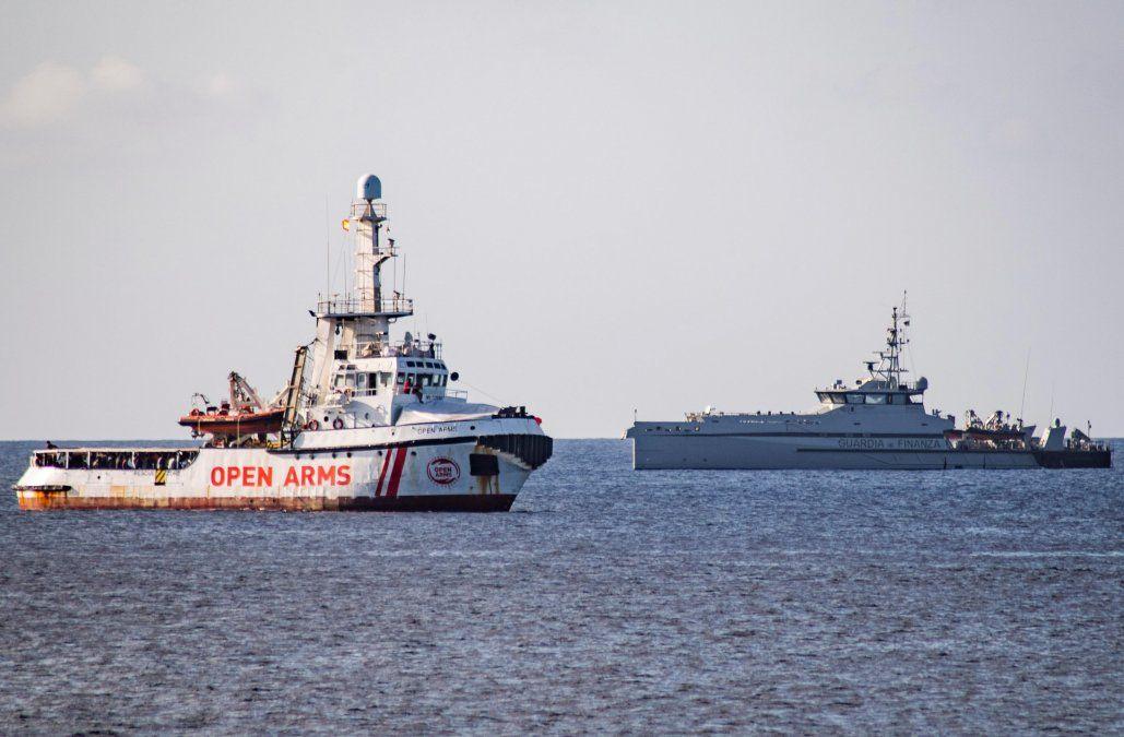España enviará un buque militar para recoger a los migrantes del Open Arms