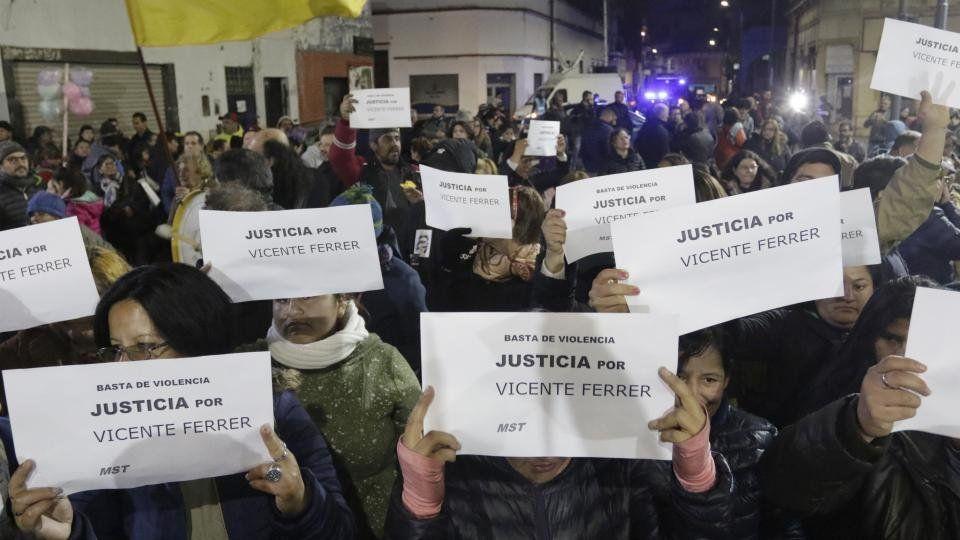 Jubilado argentino murió tras ser golpeado por guardias que lo hallaron robando en supermercado