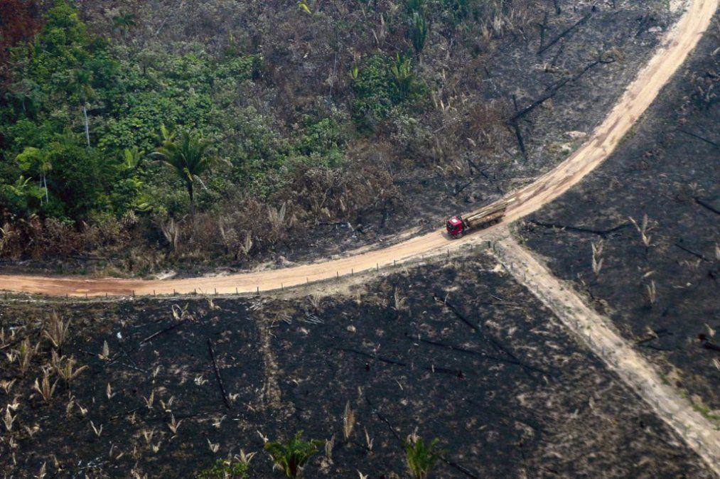 Países del G-7 envían aviones hidrantes para terminar con los incendios en la Amazonia