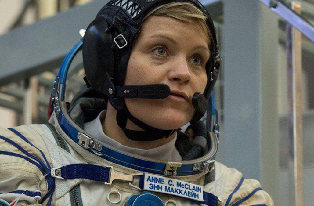 McClain en una foto oficial de la NASA