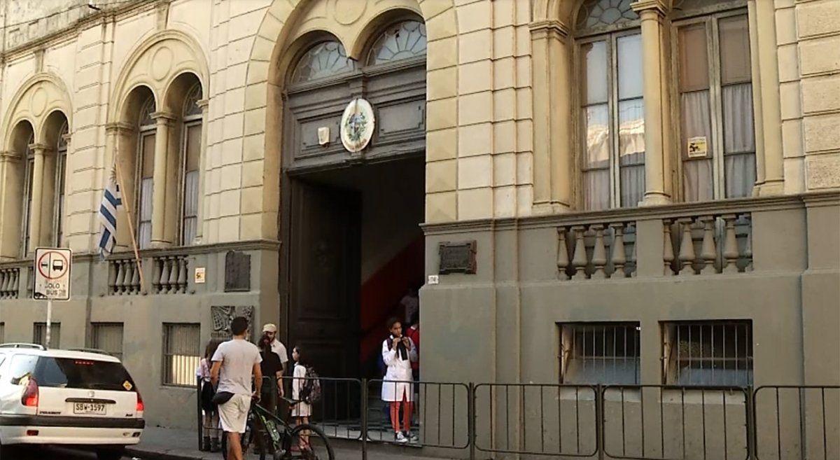 Paro de maestros este jueves en Montevideo por agresión a una docente
