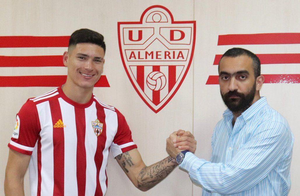 Llega Darwin Núñez a Almería y el club da de baja a dos uruguayos: Gonzalo Bueno y Gianni Rodríguez