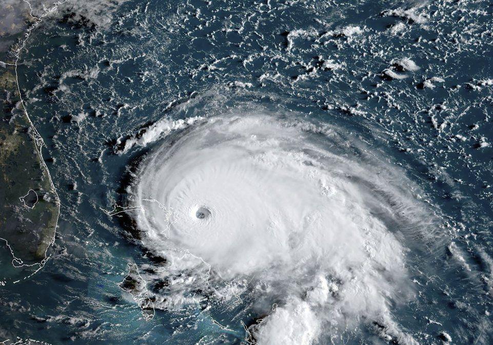 Catastrófico huracán Dorian alcanza categoría 5 al golpear Bahamas