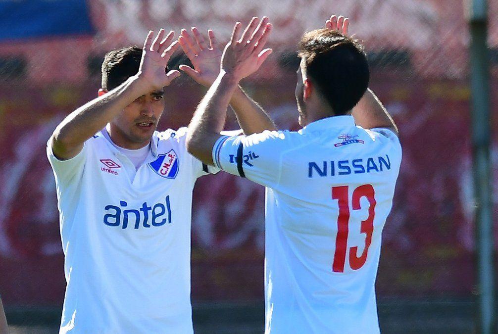 Nacional goleó 3-0 a Peñarol, pero River y Liverpool definirán el torneo Intermedio