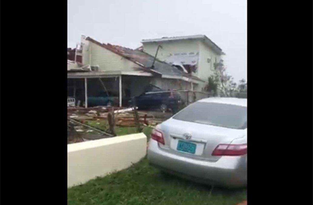 Catastrófico huracán Dorian azota las Bahamas y Estados Unidos evacua la costa