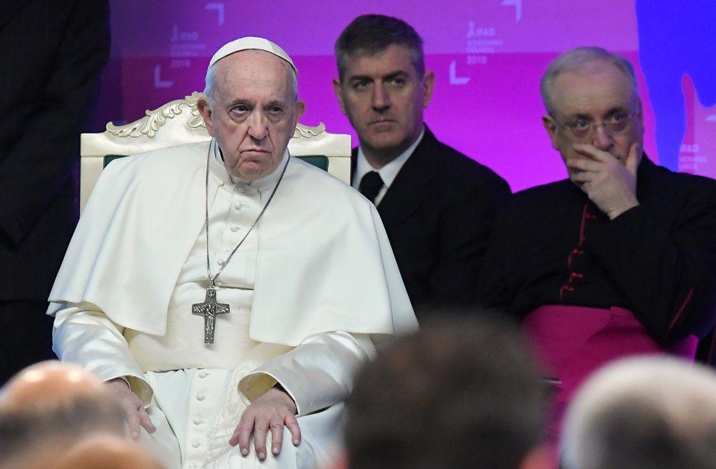 Papa Francisco quedó encerrado en un ascensor y fue socorrido por los bomberos