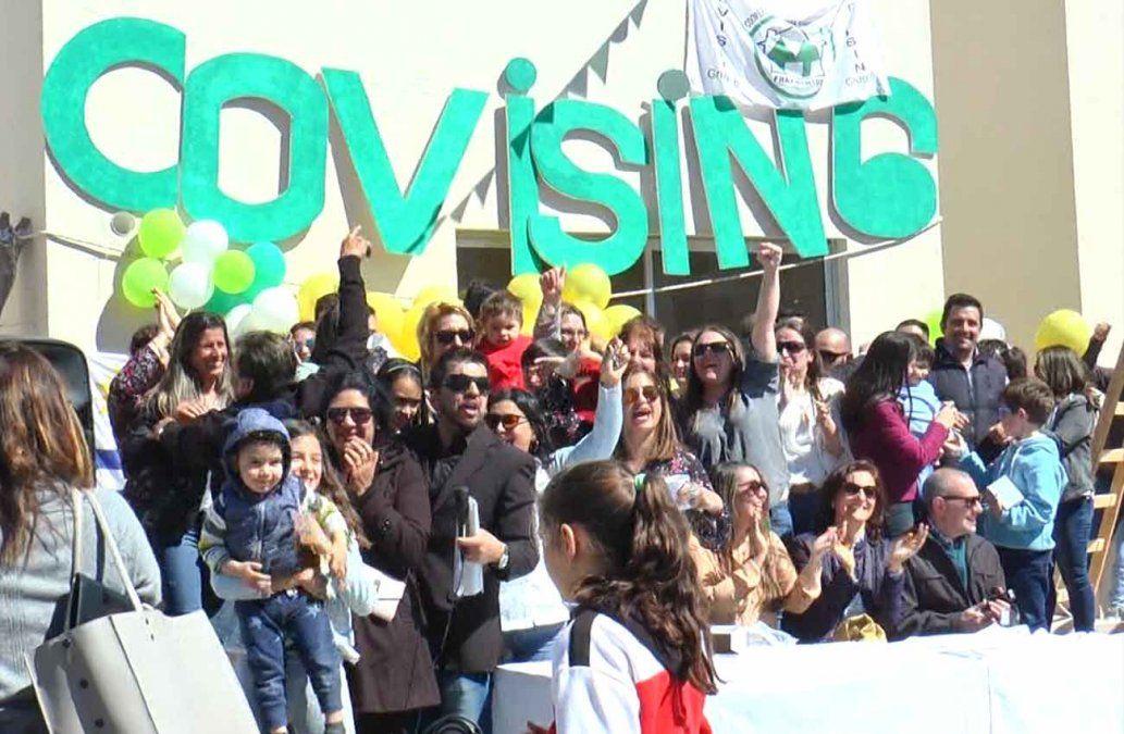 40 familias de trabajadores sindicalizados recibieron la llave de su vivienda en Fray Bentos