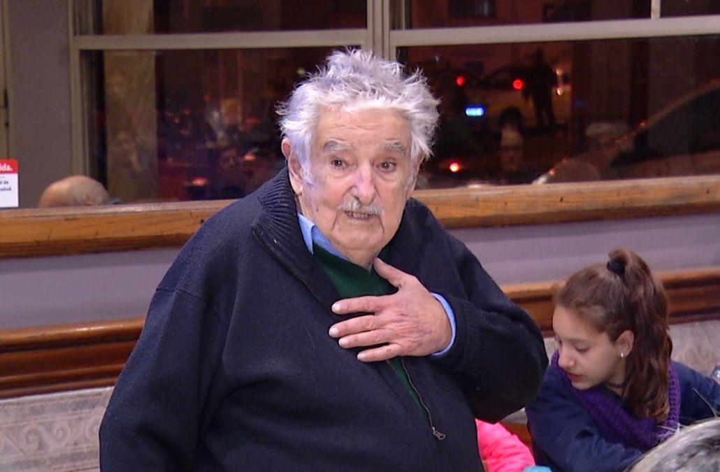 Mujica reconoció que siente una profunda deuda social con los más pobres