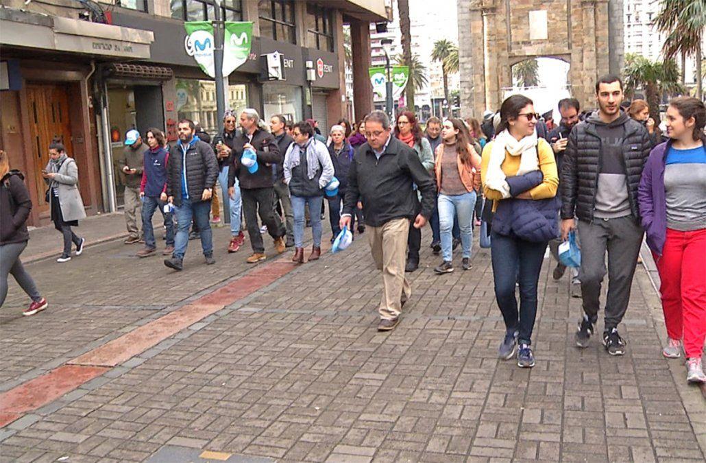 Caminar, conocer, resignificar: por Ciudad vieja en Semana de la democracia
