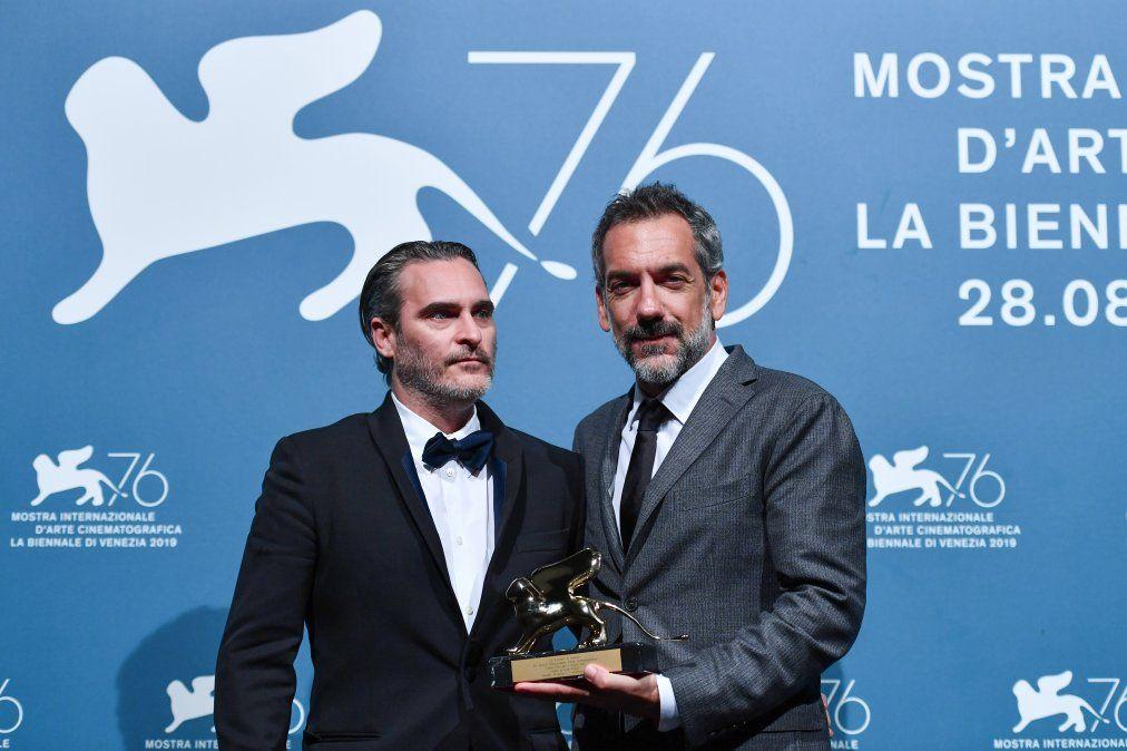 Joaquin Phoenix y Todd Phillips en la Mostra