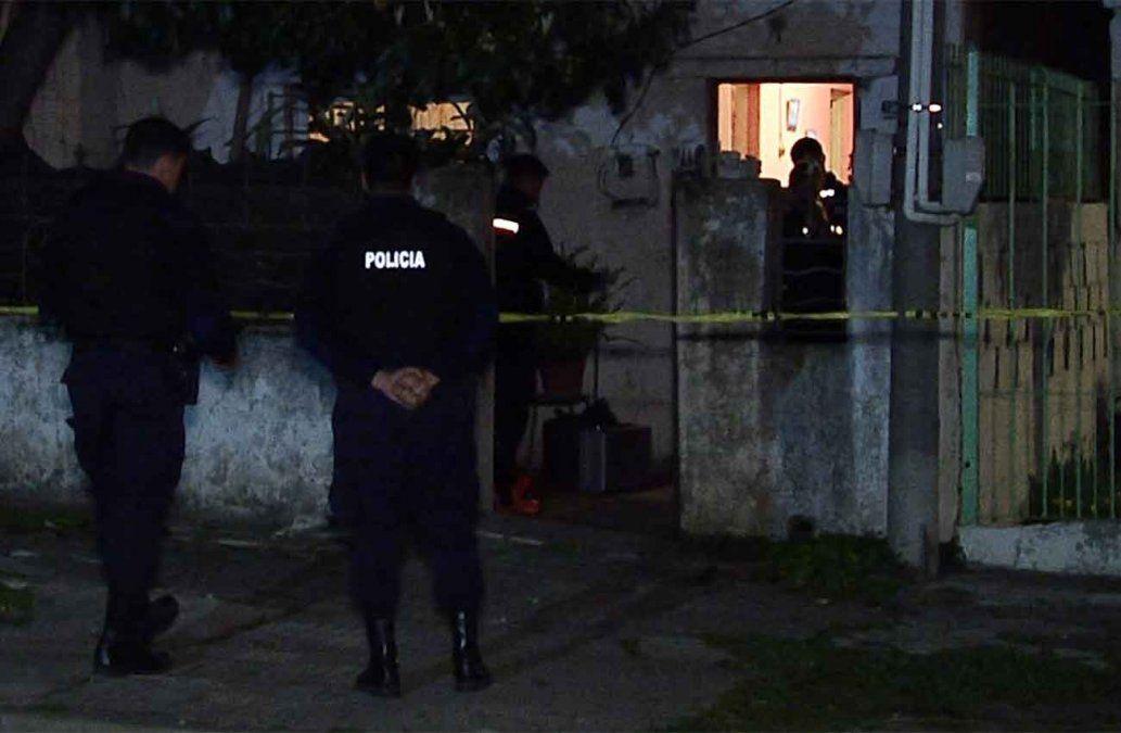 Mujer baleada en la cabeza por su ex pareja se encuentra estable; su hijo fue dado de alta