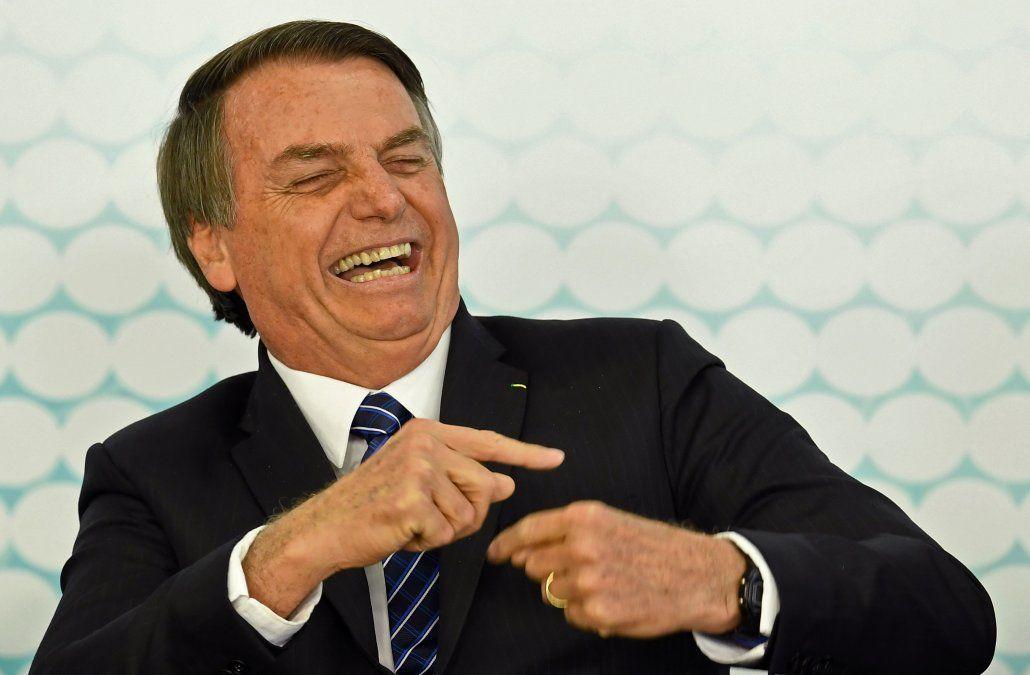 Tras una operación de 5 horas, Bolsonaro volverá a su trabajo como presidente este martes