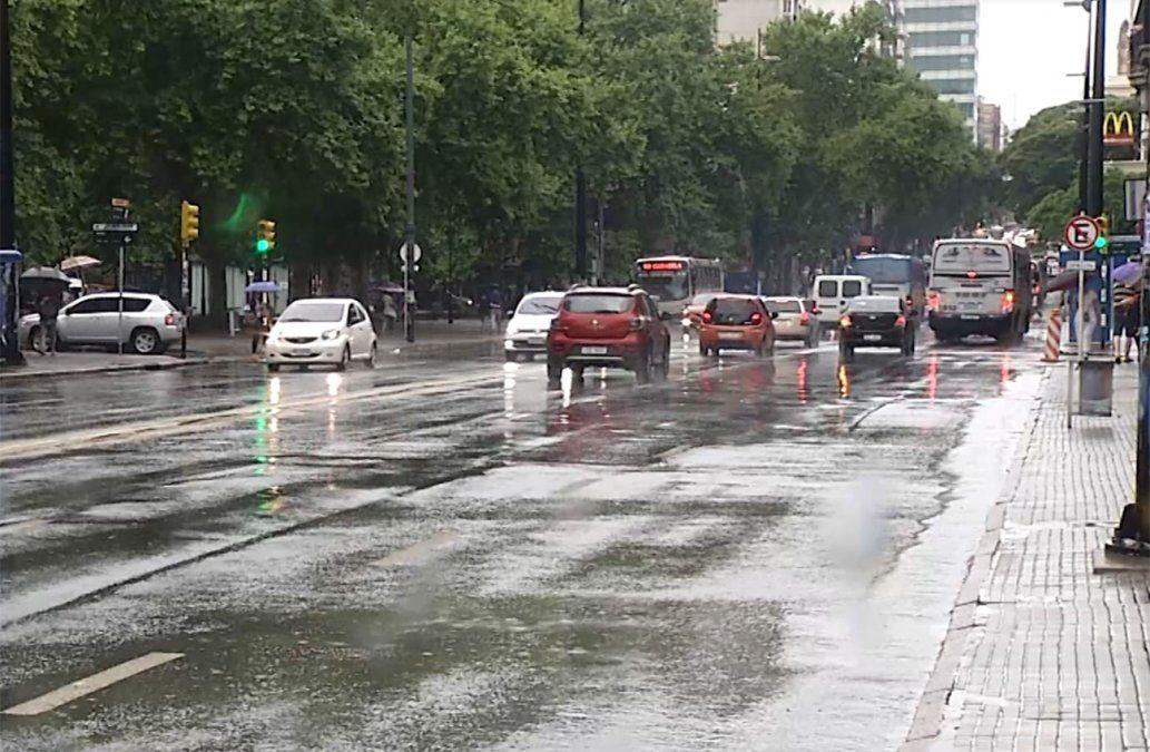 Actualizan la doble alerta naranja y amarilla por tormentas y lluvias fuertes