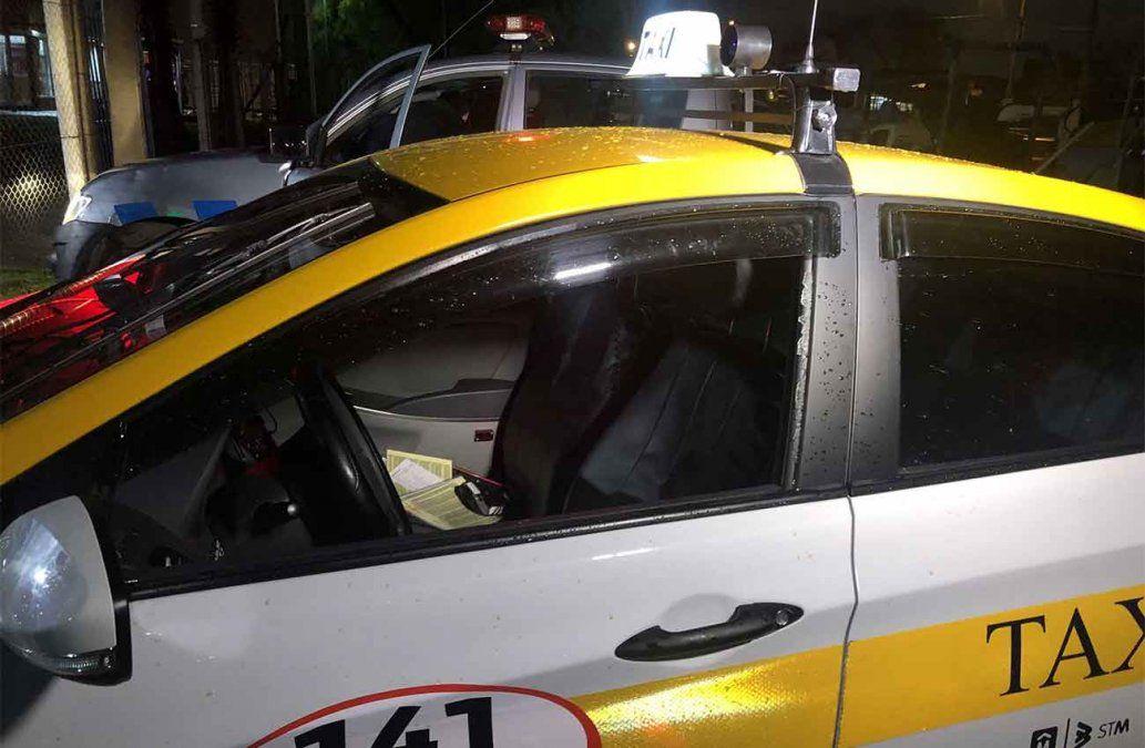 Siete delincuentes intentaron asaltar el auto de un taxista y lo hirieron en la cabeza