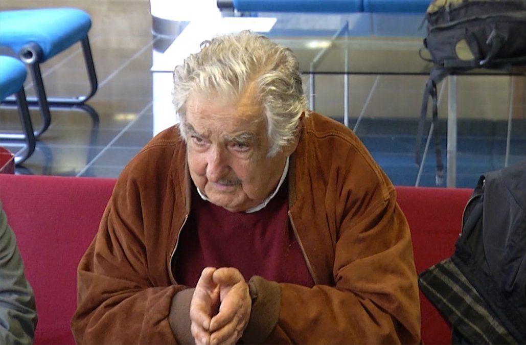 Mujica a los argentinos: Tendrían que elegir a Mandrake