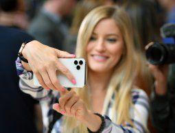 altText(Apple presentó el iPhone 11, con cámara dual y nuevo procesador)}