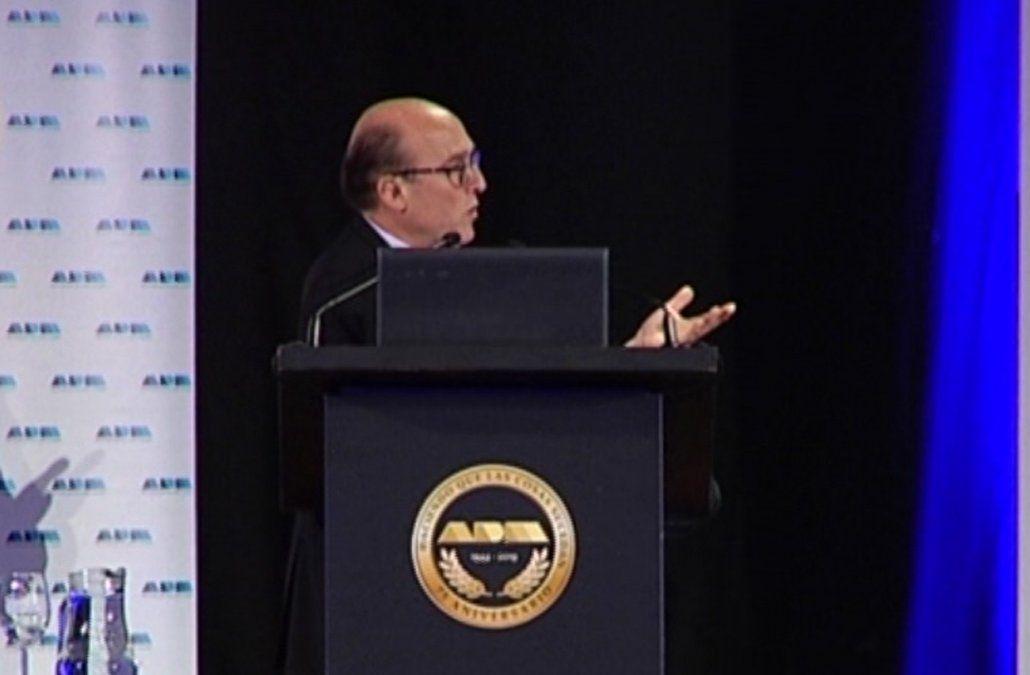 Martínez cuestionó a los candidatos que en campaña prometen no subir impuestos