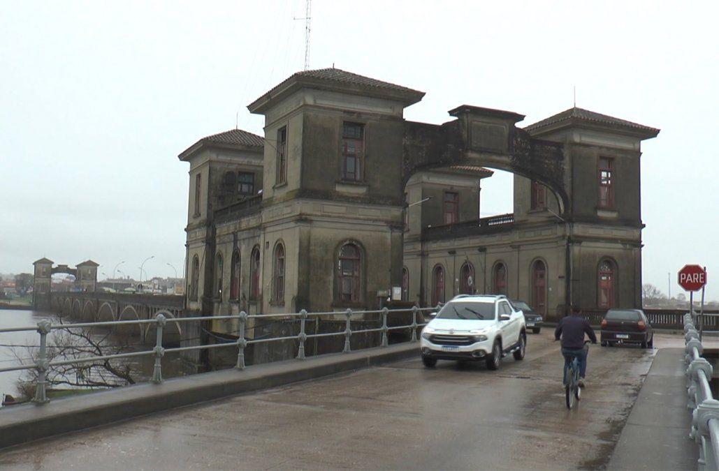 Cuatro aduaneros y un policía de tránsito a prisión por contrabando y coimas