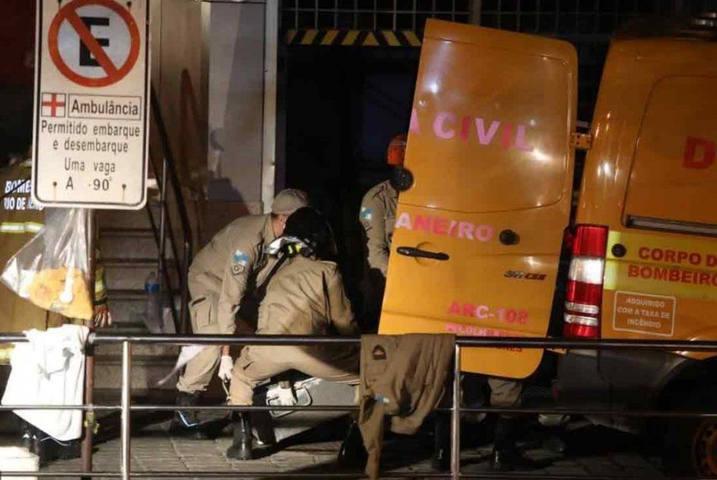 Al menos 11 muertos en un incendio en un hospital de Rio de Janeiro