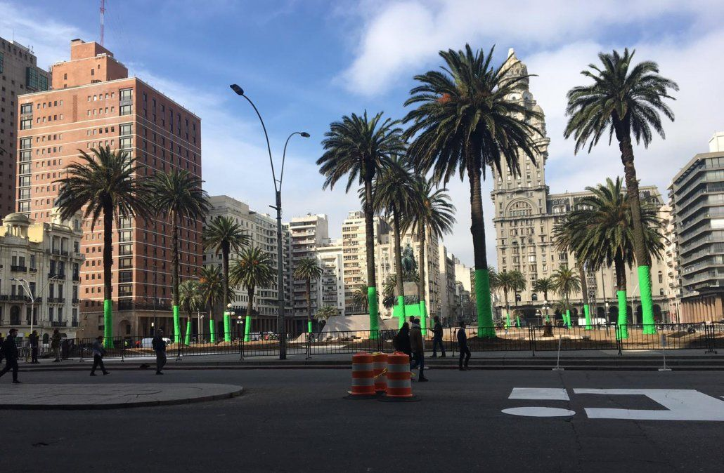Rigen cambios en el tránsito y los ómnibus por filmación en Plaza Independencia
