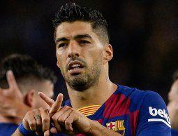 Con doblete de Luis Suárez, el Barcelona goleó 5-2 al Valencia de Maxi Gómez