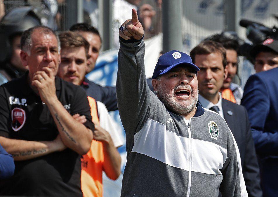 La magia de Maradona y la esperanza de Gimnasia se apoderaron de La Plata
