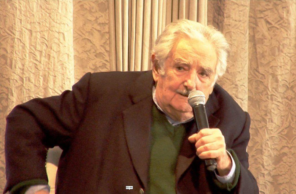 Mujica propuso asociar al Estado con privados para desarrollar nuevos emprendimientos