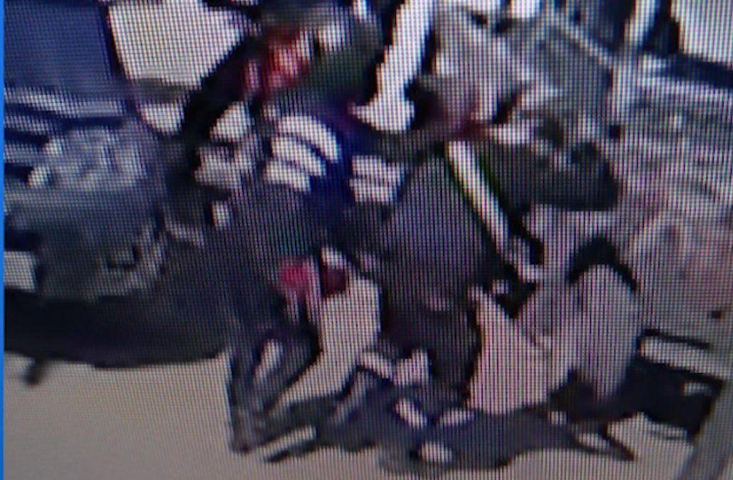 Delincuentes robaron sucursal del BROU de Punta de Rieles, dos heridos con roce de bala