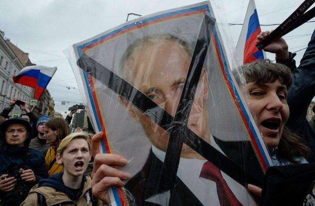 La policía rusa detiene a un chamán que iba a Moscú a exorcizar a Putin