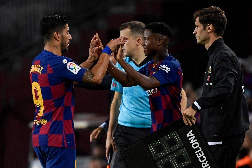 Luis Suárez silbado en el Camp Nou y sustituido por la nueva estrella juvenil Ansu Fati