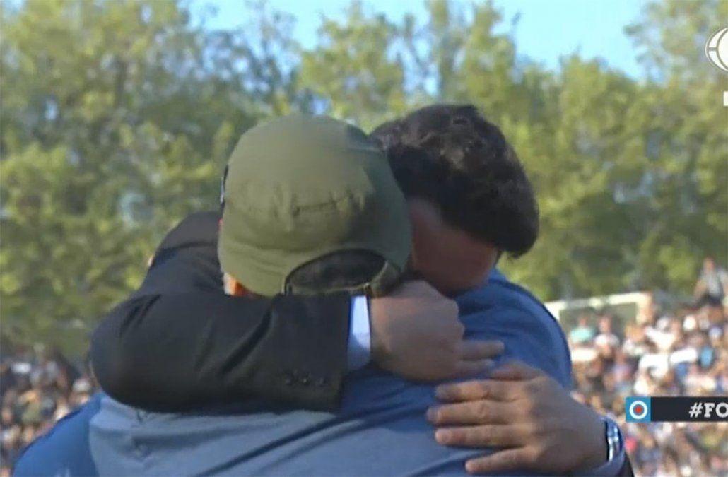 Maradona y Gallargo se saludaron afectuosamente, tras otra caída de Gimnasia