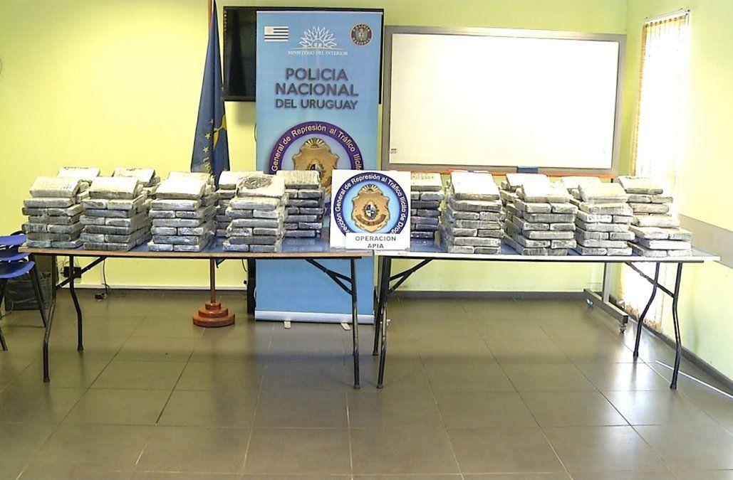 Fiscalía busca probar nexo entre cocaína incautada en Carrasco y avioneta abandonada en Paysandú