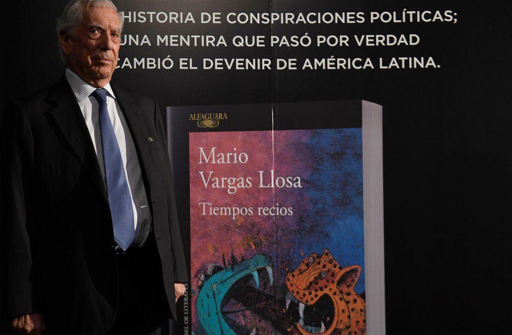 Vargas Llosa en la presentación del libro